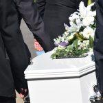 Artimųjų netektis: rinkitės laidojimo paslaugų įmonę atsakingai